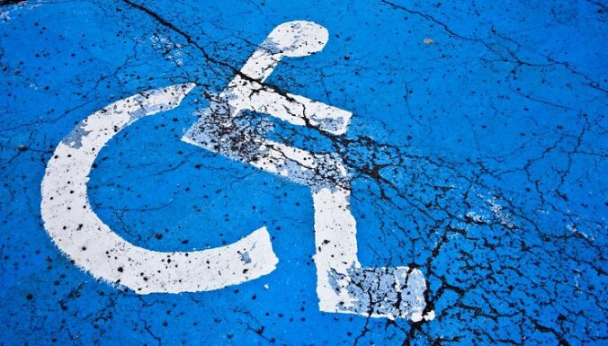 No jūlija palielināts pabalsts bērniem un pieaugušajiem ar ļoti smagu invaliditāti