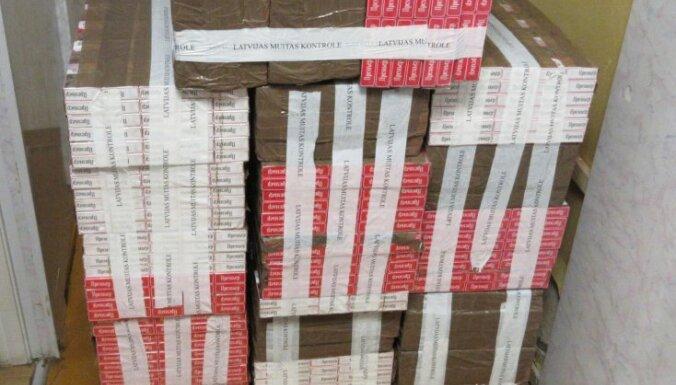 Nelegālais cigarešu apjoms Latvijā pakāpeniski samazinās