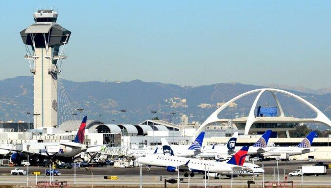 Pēc apšaudes Losandželosas lidostā trīs kritušie
