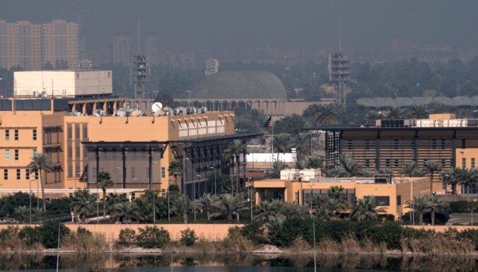 ASV samazinājušas darbinieku skaitu vēstniecībā Bagdādē