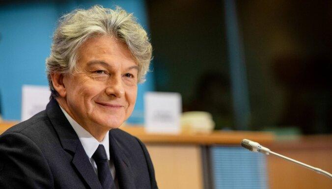 "В Евросоюзе описали поставки ""Спутника V"" словами ""придет слишком поздно"""