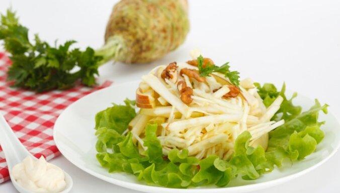 Ābolu un seleriju saknes salāti ar riekstiem