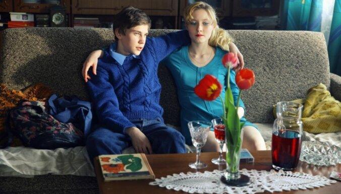 Foto: Pēc galvenā aktiera nomaiņas atsākusies spēlfilmas 'Jelgava 94' filmēšana