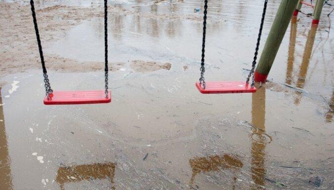 Valdība nolemj kompensēt pavasara plūdu skādi Alūksnes novadam un armijai