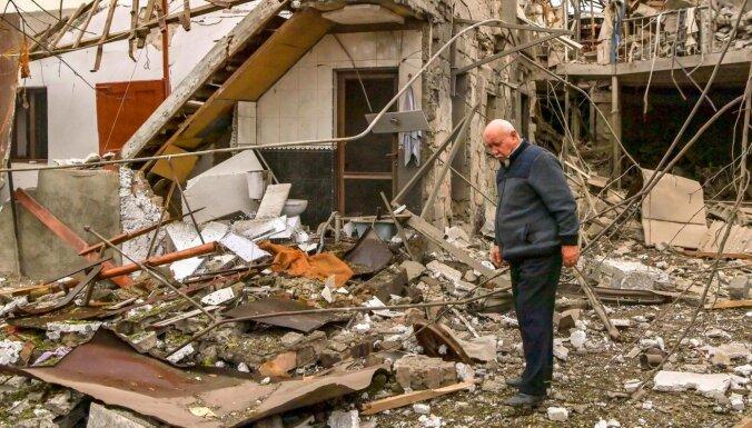 В Карабахе началось перемирие. Стороны конфликта обвиняют друг друга в его нарушении