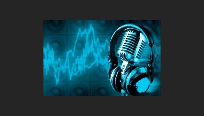 Radio pārstāvji prognozē klausītāju skaita samazināšanos pēc licenču ieviešanas šoferiem, bažījas par AKKA/LAA apetīti