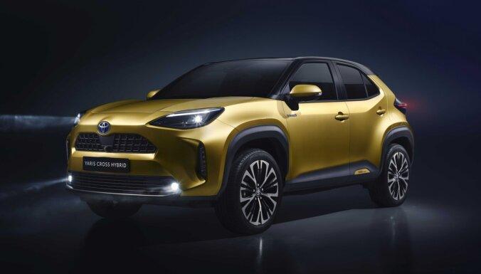'Toyota' prezentējusi jaunu kompakto apvidnieku 'Yaris Cross'