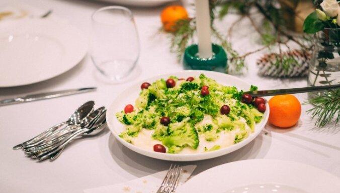 Kartupeļu biezenis ar timiānu un kraukšķīgiem brokoļu gabaliņiem