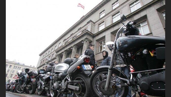 Недовольные байкеры проведут митинг возле Сейма