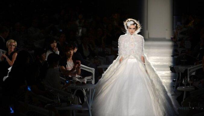 Показ высокой моды от Chanel: новый винтаж или дань традициям?