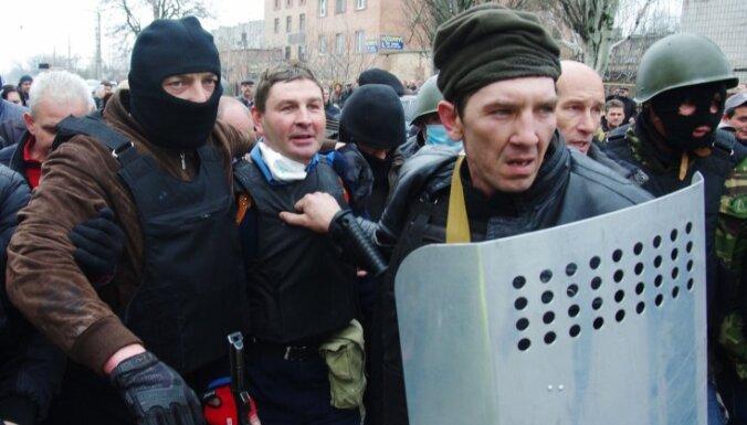 В Горловке ополченцы захватили горсовет и РОВД, в Донецке— райсовет