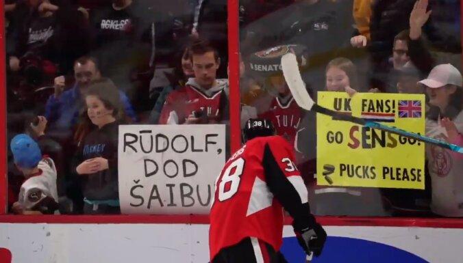 Video: 'Rūdolf, dod šaibu' – Balceru sezonas debijā atbalsta līdzjutēji