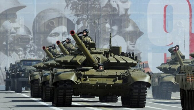 Modernizēti mazbudžeta tanki un totālais karš: cik stipra ir Krievija