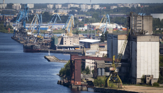 Грузооборот Рижского порта упал на 5,6 млн тонн