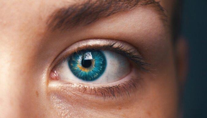 Nanotehnoloģiju kontaktlēcas izkrāsos pasauli krāsu redzes traucējumu skartajiem