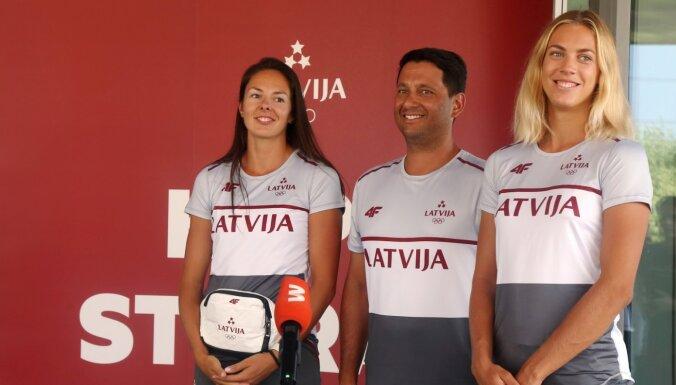 Foto: Pirmie olimpieši no Latvijas devušies uz Tokiju