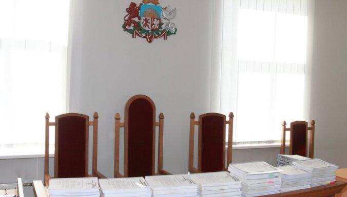 Tiesām būs jānosaka lietu izskatīšanas termiņi; spriedumi bez maksas jāpublicē internetā