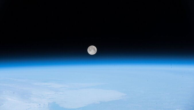 Krievija un Ķīna būvēs Mēness kosmosa staciju