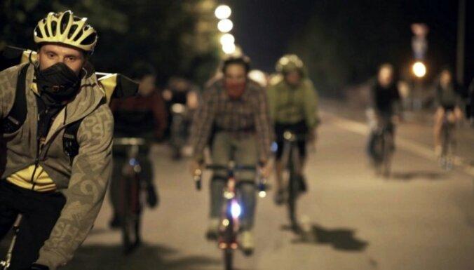Valmierieši izsludina pirmo velo-kino festivālu 'Kino Pedālis'