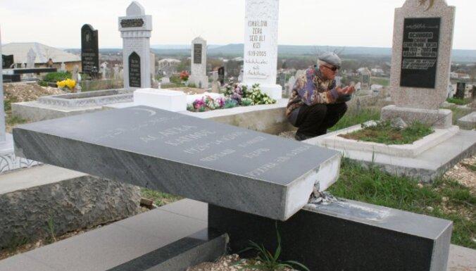 Krievijā apgānītas 70 musulmaņu kapavietas