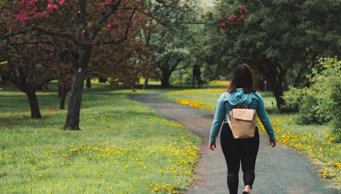 10 000 soļi katru dienu? Svarīgākais, kas jāzina par veselīgu staigāšanu