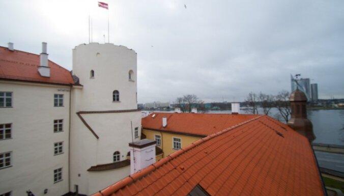 Melbārde: Rīgas pils 2018.gadā netiks atvērta