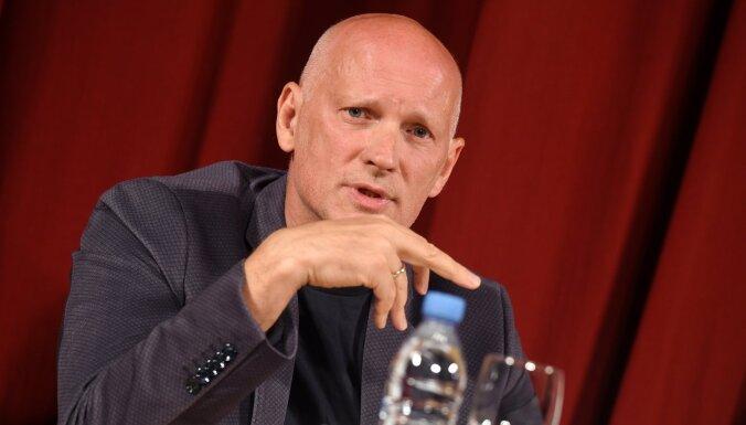 JRT mākslinieciskais vadītājs Hermanis jau sākotnēji iebildis pret 'Rere Būve 1' izvēli