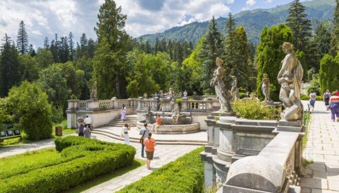Pelešas pils Rumānijā: Karpatu pērle ar 160 istabām un karalisku pagātni