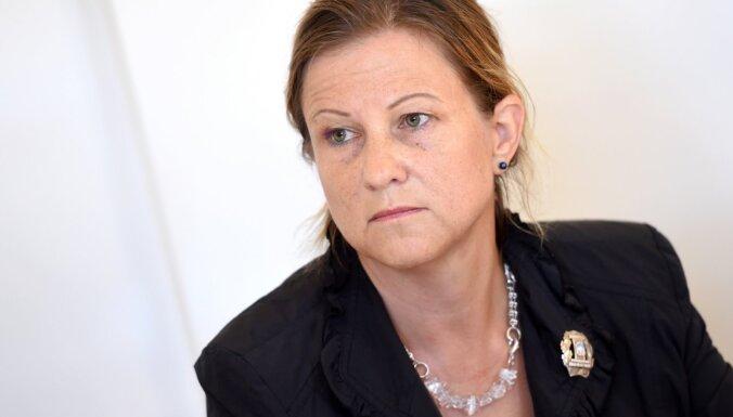 Budžeta komisija saka 'nē' medicīniskajai pārtikai; Olsena atgādina par cilvēktiesībām