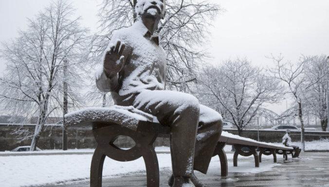 Норма или аномалия: в выходные дни в Латвии выпал первый снег