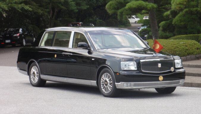 ASV prezidenta 'seifs uz riteņiem' un citu pasaules līderu limuzīni