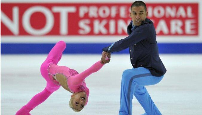 Savčenko un Šolkovijs ceturto reizi kļūst par Eiropas čempioniem