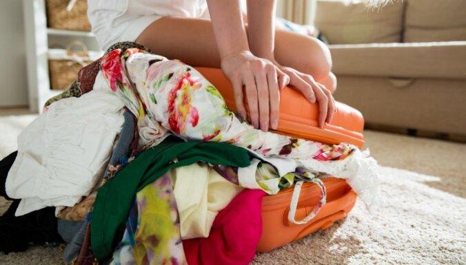 Krāmējot ceļasomu: septiņas lietas, kuras labāk atstāt mājās