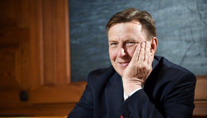 Экс-премьер Кучинскис рассказал, как новое правительство может достать деньги на повышение зарплат педагогам