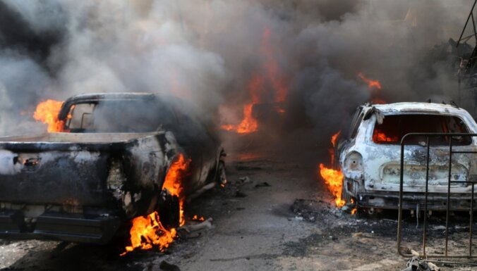 Mīnēta auto sprādzienā Sīrijas ziemeļos nogalināti 46 cilvēki