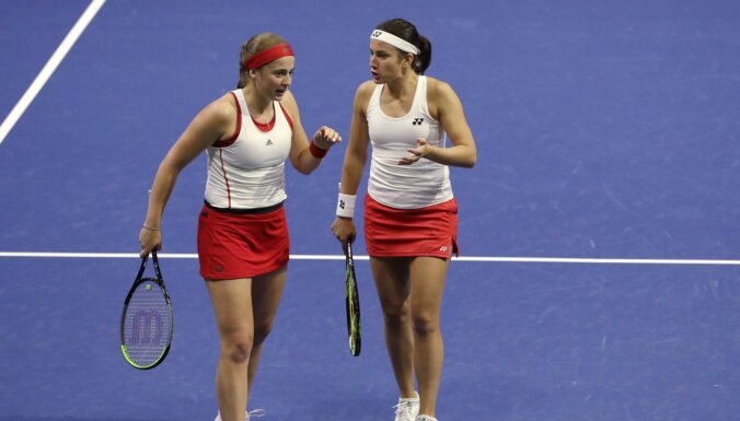 Sevastova un Ostapenko oficiāli apstiprinātas Latvijas sieviešu tenisa izlases sastāvā pret Indiju