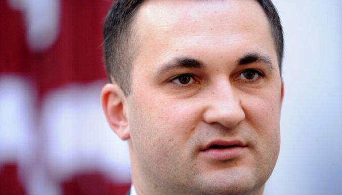 Депутаты комиссии Сейма выразили сомнения в обоснованности антиковидных ограничений
