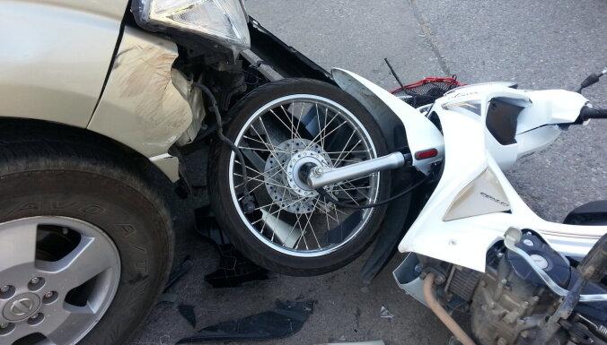 Samazinājies negadījumu skaits, kuros iesaistīts mototransports