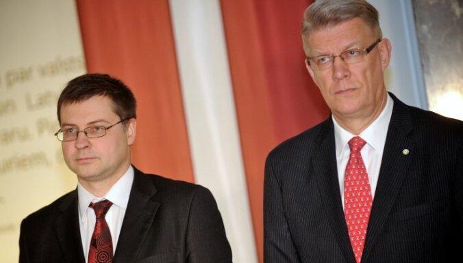 Dombrovskis: pirms valodas referenduma nerīkos īpašu kampaņu