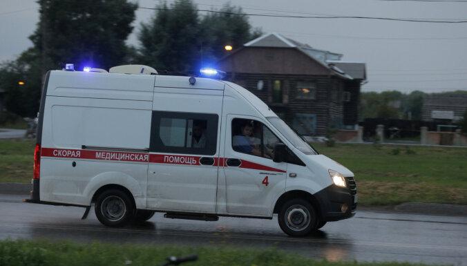 Вылетевшая на тротуар в Нижнем Новгороде машина врезалась в группу школьников