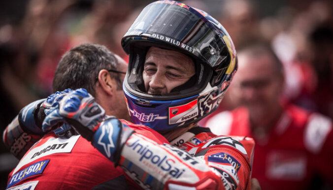 Dovicioso izcīna uzvaru 'MotoGP' desmitajā posmā