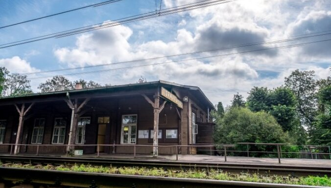 'Rail Baltica' ieplānotajā trasē aicina nenojaukt Torņkalna staciju un slepenu bunkuru
