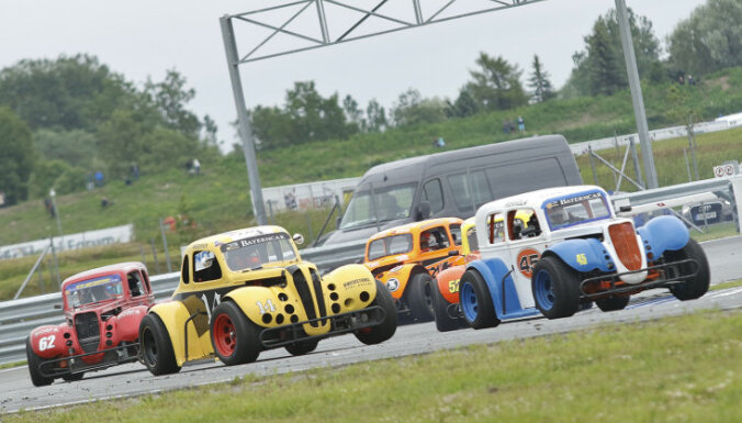 Pērnavā ar spraigām cīņām aizvadīts otrais 'Legend Car' NEZ čempionāta posms
