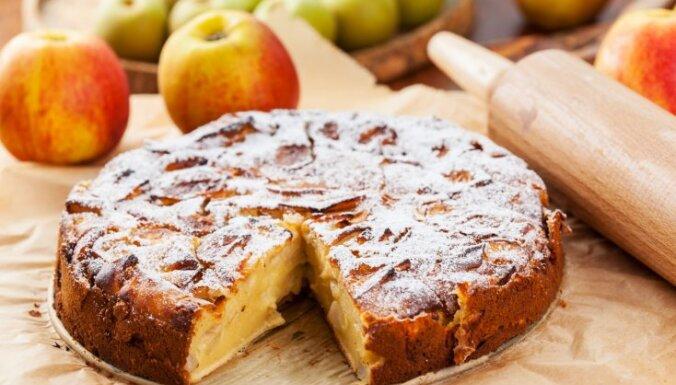 Как испечь простой и вкусный пирог с яблоками: рецепт для начинающих