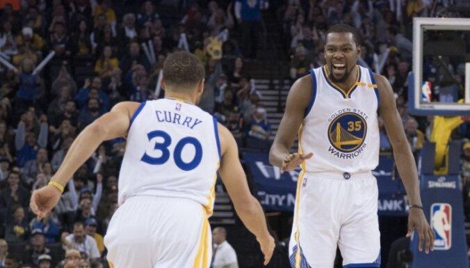 Noskaidroti NBA izslēgšanas spēļu pirmās kārtas pāri