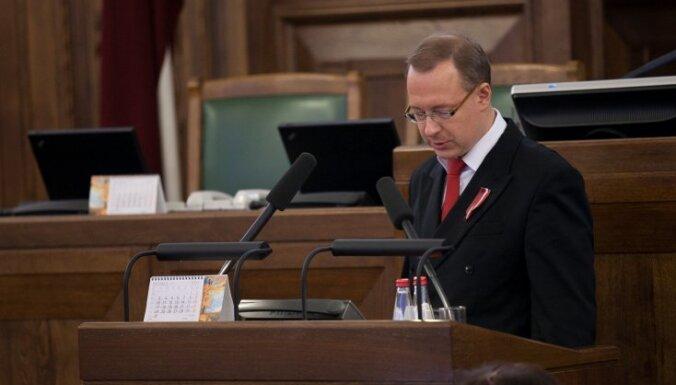 Kabanovam par deputāta zvēresta pārkāpšanu bargākais sods Kārtības rullī - rakstveida brīdinājums