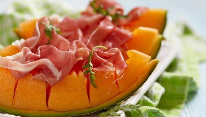 Melones salāti ar vītinātu šķiņķi