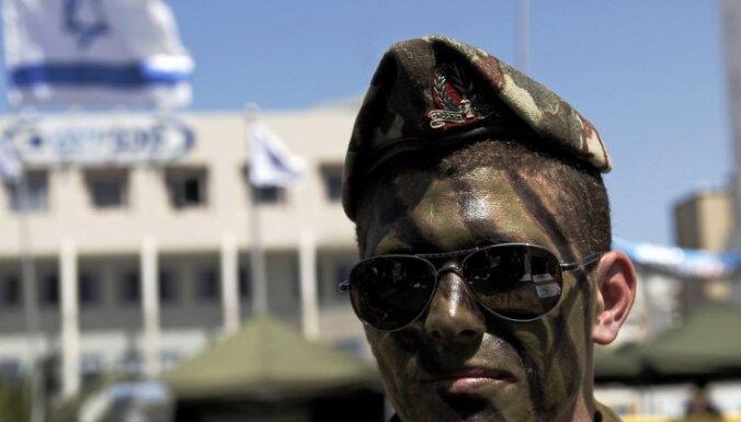 Par palīdzības flotiles aktīvistu aplaupīšanu izraēliešu karavīram piespriež piecu mēnešu cietumsodu