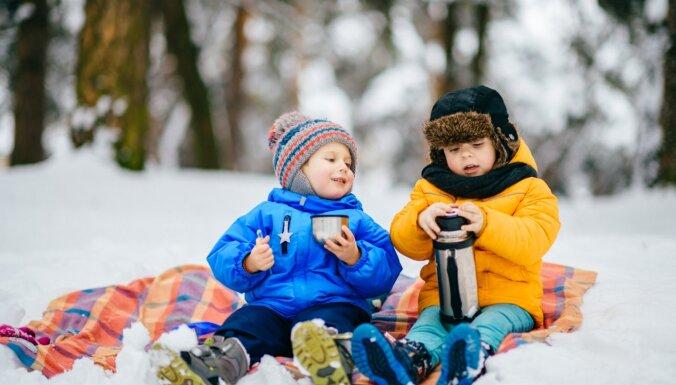 Lai viens otram draugi, ne ienaidnieki: kā veicināt sirsnīgas attiecības starp brāļiem un māsām