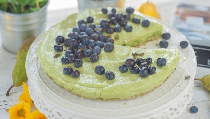 Avokado un bumbieru kūka